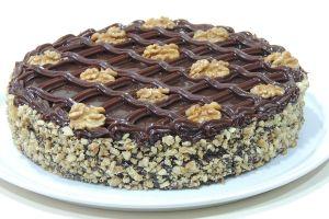 Torta Nozes com Brigadeiro